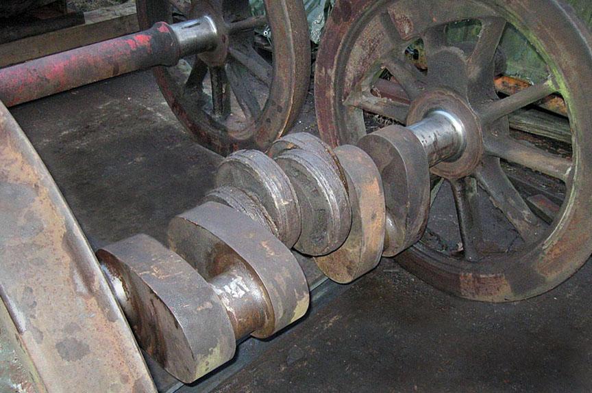 Locomotive cranked axle.